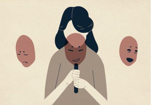 Mujer eligiendo máscara por su ego