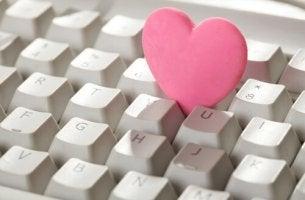 Corazón con teclado