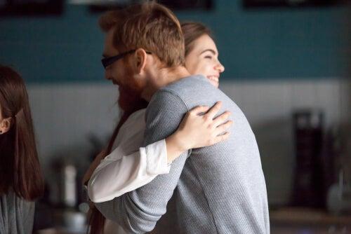 Los grandes beneficios del contacto físico