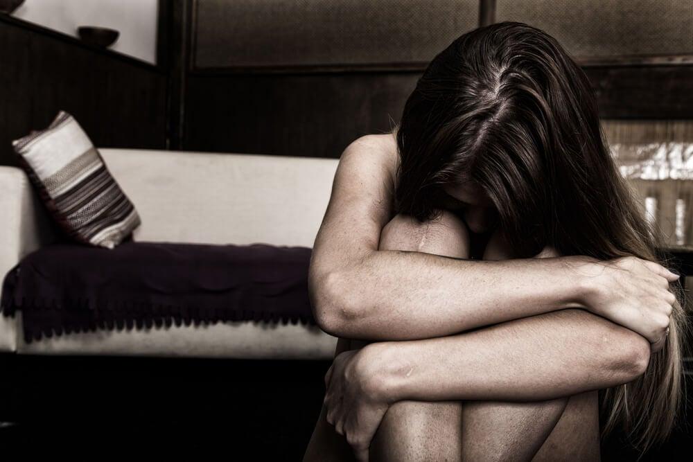 Mujer con estrés postraumático