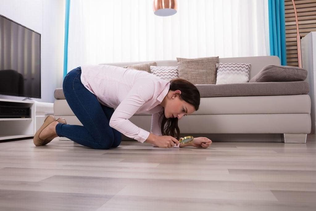 Mujer con trastorno obsesivo-compulsivo
