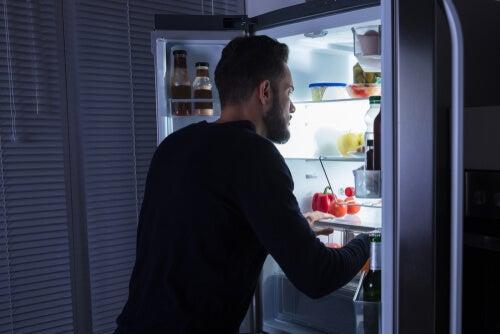 Por qué los comedores emocionales no pueden detenerse