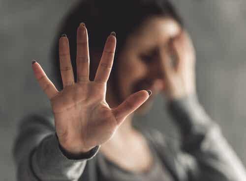 Dependencia afectiva y violencia hacia la mujer