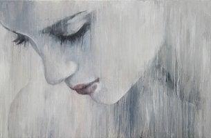 Mujer triste que no asume sus culpas mientras piensa en el sufrimiento