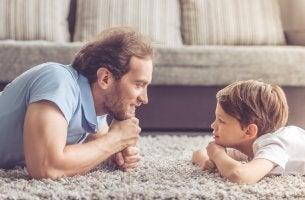 Padre e hijo estilos de crianza