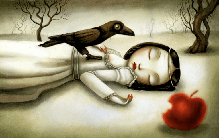 Mujer en el suelo con cuervo encima