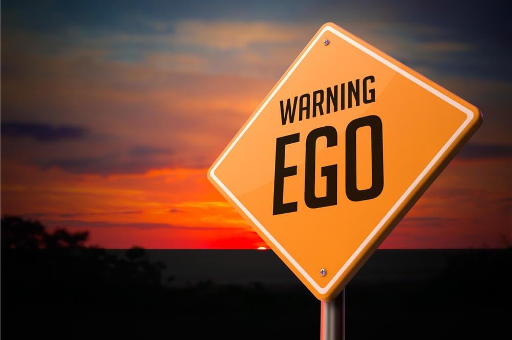 Señal sobre el ego