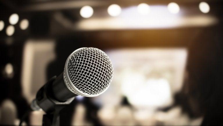 Cómo superar el miedo escénico a hablar en público