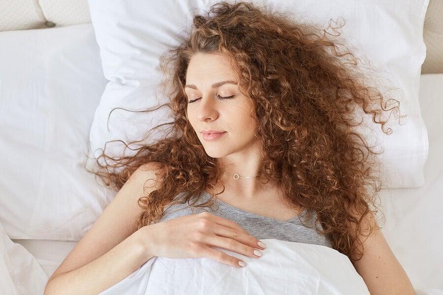 ¿Sabes cómo se comporta nuestro cerebro durante el sueño?