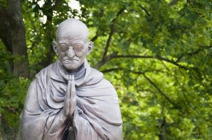 Los tres pensamientos de Gandhi que contribuyeron a hacer un mundo mejor