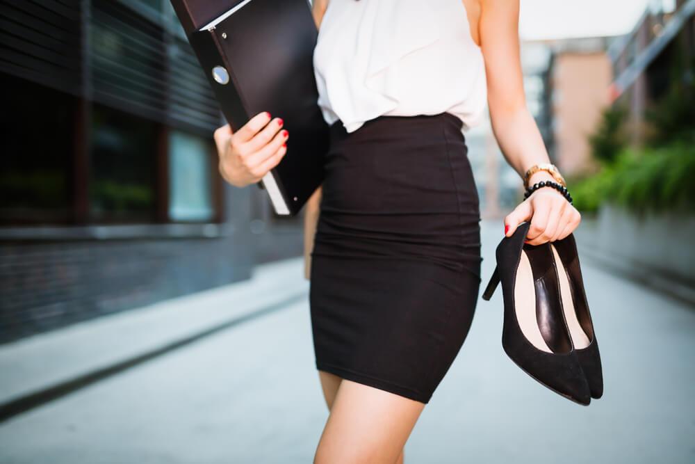 Mujer dejando su trabajo