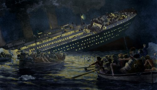 Titanic hundiéndose