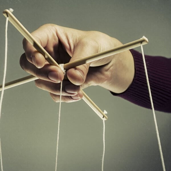 Cómo reconocer y tratar a un manipulador