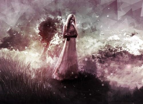 Mujer en el campo pensando en un viaje interior
