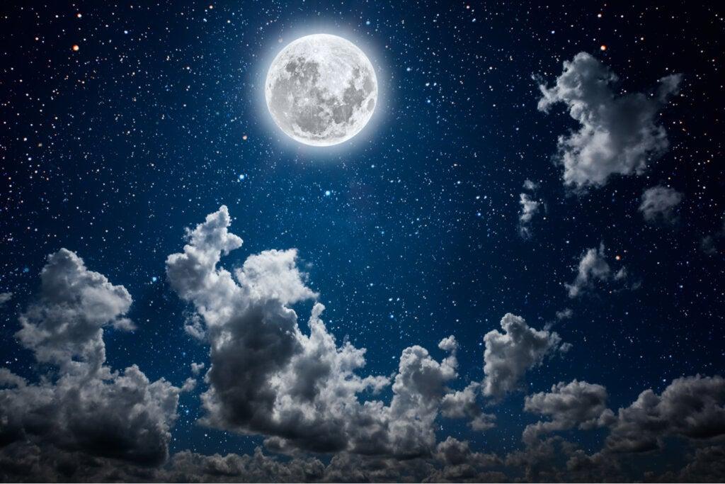 luna cielo estrellas