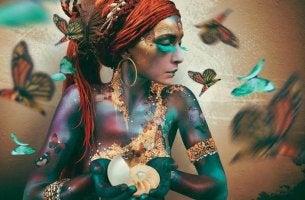 Colores y personalidad, mujer pintada