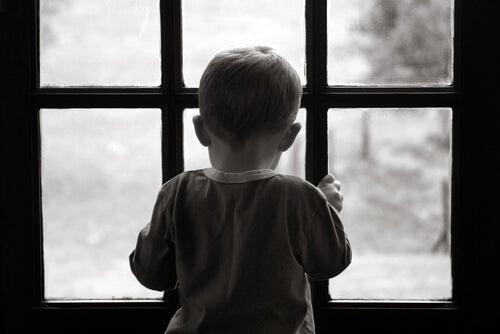Dejar atrás una infancia difícil