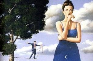 Mujer pensando invadida por la inseguridad