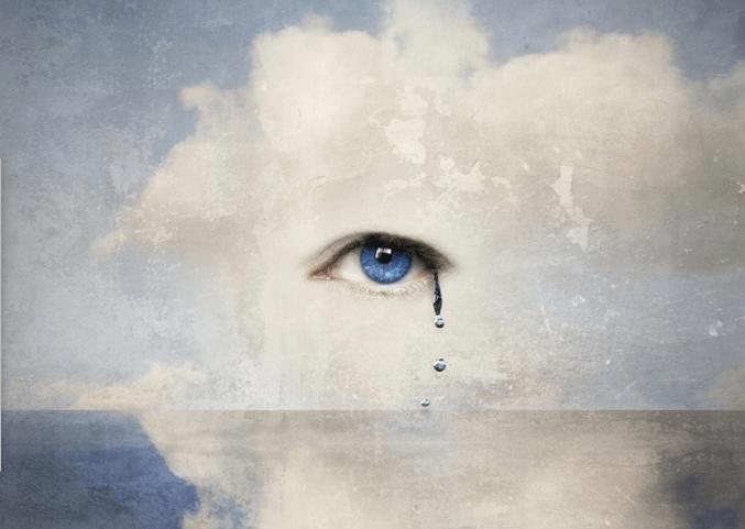 Ojo con una lágrima simbolizando catarsis emocional
