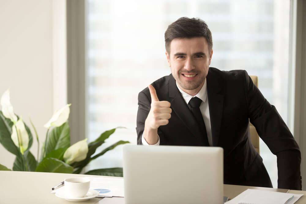 Hombre trabajo eficaz