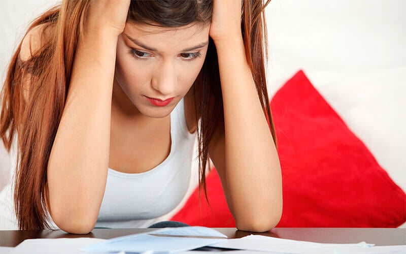 Mujer sufriendo el estrés