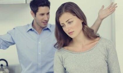 ¿Hay comportamientos agresivos-pasivos en tu pareja?
