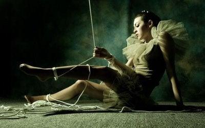 Mujer manipulada