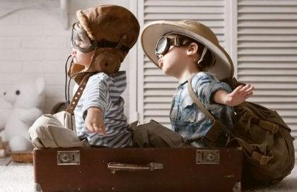 Niños demostrando que la vida es un juego