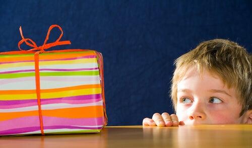 El síndrome del niño hiperregalado