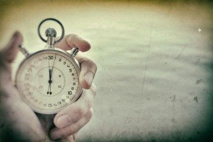 reloj simbolizando empezar de cero