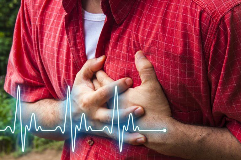 Hombre con un atque al corazón por estrés