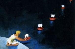 Niña lanzando barcos sin compañía