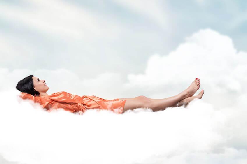 Mujer recordando los sueños