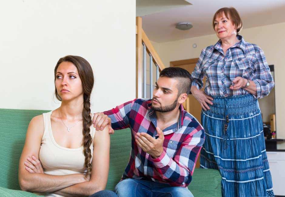 Problemas con la madre de la pareja