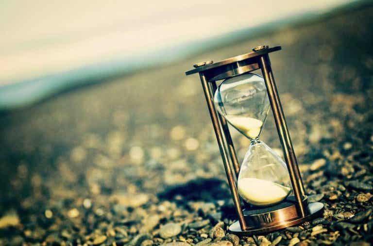Vamos a robarle tiempo al tiempo antes de que se nos escape