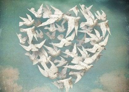 Pájaros representando a los que ya no están
