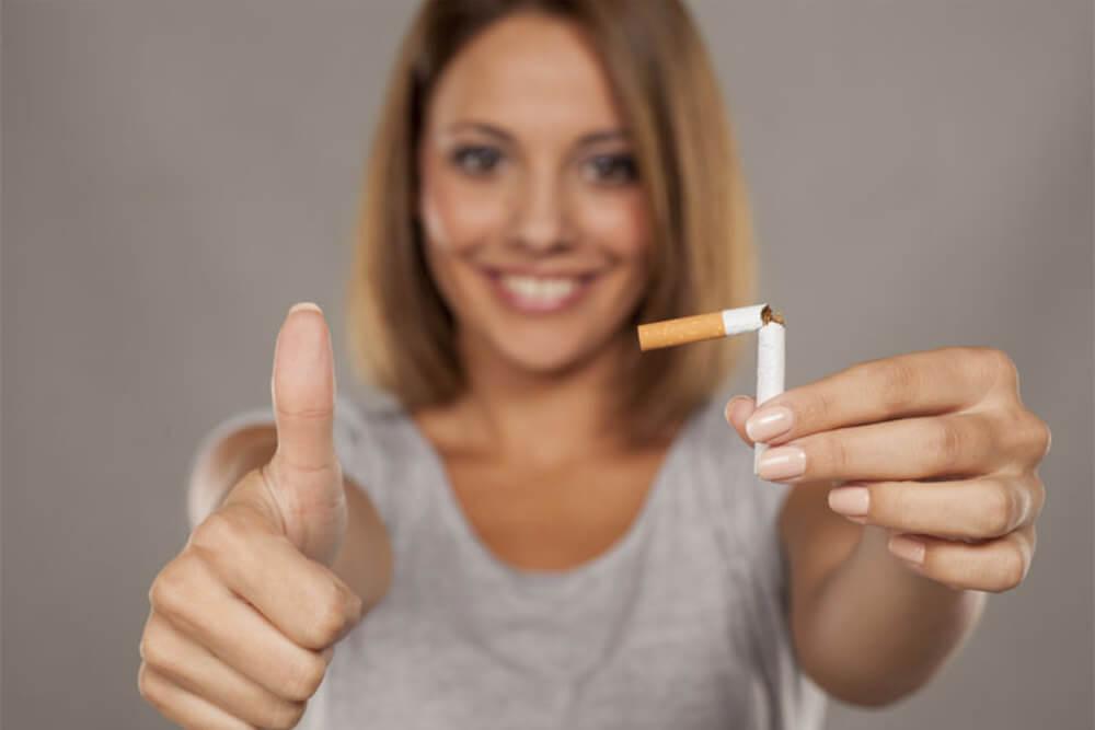 Mujer superando sus malos hábitos
