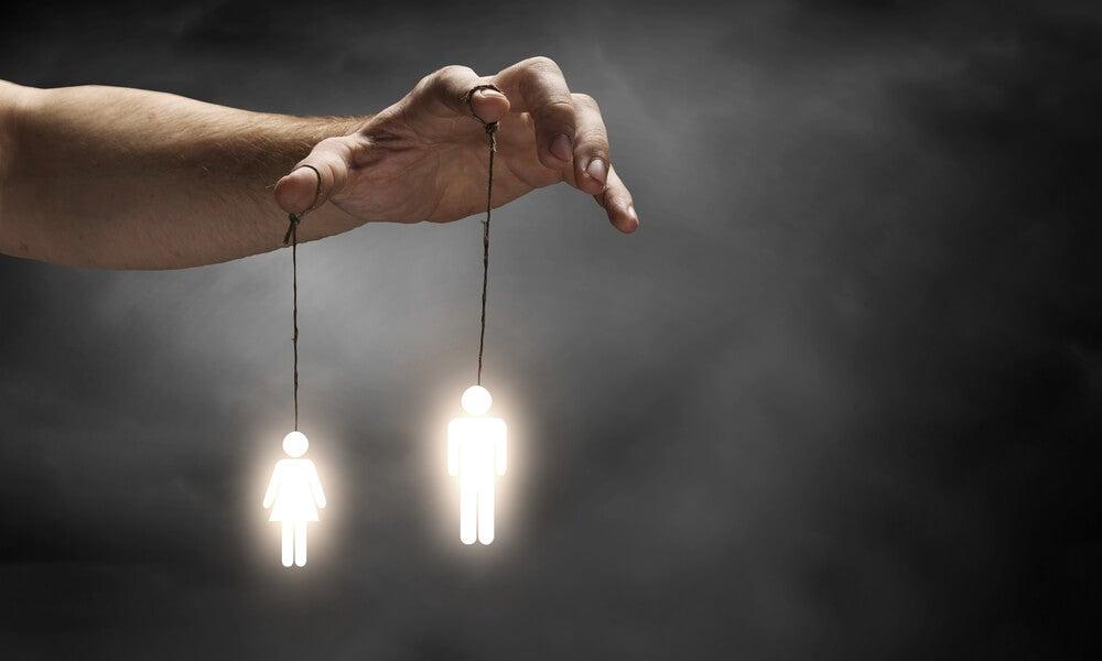 7 formas de manipularte sin que te des cuenta