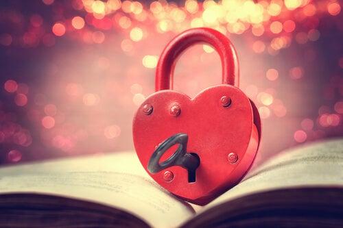 Abrir la cerradura de nuestro corazón para sentir