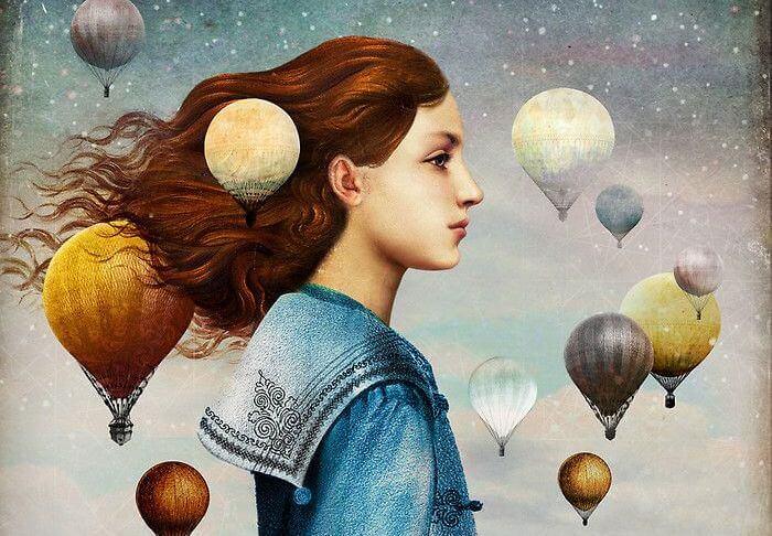 Mujer de perfil rodeada de globos
