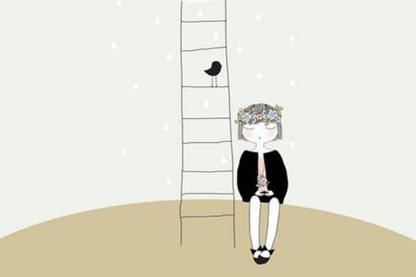 niño al lado de una escalera con un pájaro