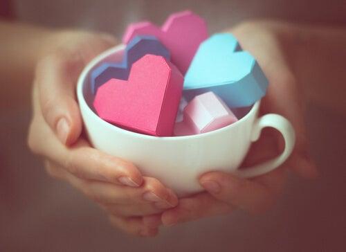 Regalar amor cuando queremos a alguien