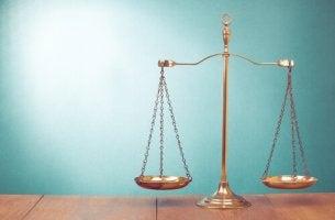 El orgullo no suele equilibrar bien la balanza