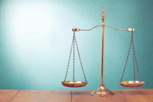 El orgullo nunca suele equilibrar bien la balanza