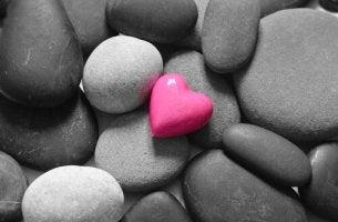 3 diferencias entre la madurez y el masoquismo emocional