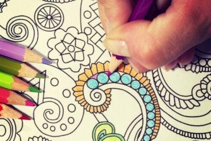 Coloreando mandala