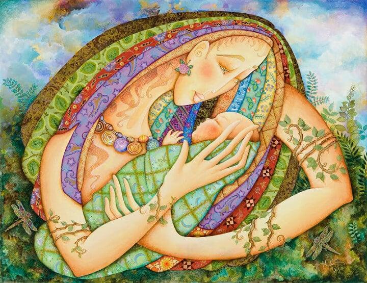 Madre con hijo en brazos