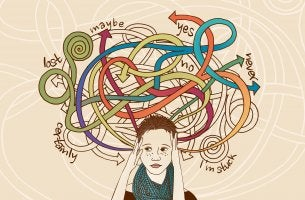 Mujer estresada pensando muchas opciones