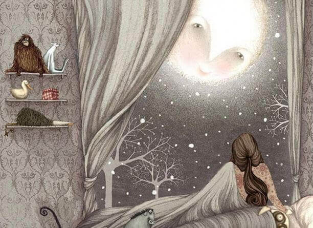 Mujer mirando a la luna por la ventana de su habitación