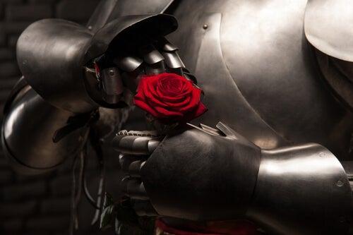 Caballero con armadura y una rosa